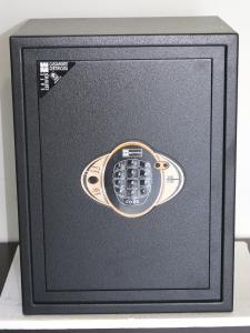 Χρηματοκιβώτια KE444